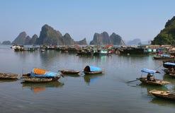 Живописный ландшафт моря. Залив Bai tu длинный стоковая фотография rf