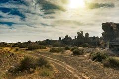 Живописный взгляд пустыни Lanzarotte с скалами Стоковое Изображение RF