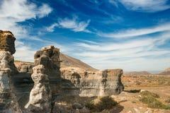 Живописный взгляд пустыни Lanzarotte с скалами Стоковое Изображение