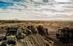 Живописный взгляд пустыни Lanzarotte с скалами Стоковое фото RF