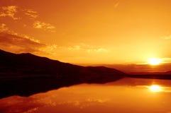 Живописный заход солнца озера лета Стоковая Фотография RF