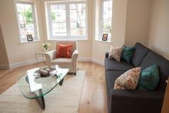 Живущая комната в новом доме Стоковое Изображение RF