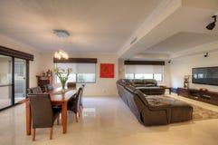 Живущая комната в роскошном доме Стоковое Изображение