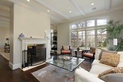 Живущая комната в роскошном доме Стоковые Изображения RF