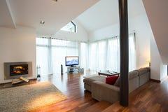 Живущая комната в традиционном дизайне Стоковое Фото