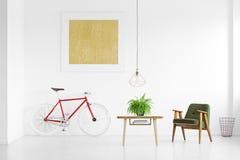 Живущая комната с ретро креслом Стоковое Изображение RF