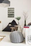 Живущая комната с творческой идеей оформления стоковое фото rf
