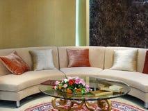 живущая роскошная самомоднейшая комната Стоковое Фото