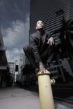 жидкостный огнетушитель бизнесмена Стоковая Фотография RF