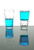 жидкость 2 синих стекол Стоковая Фотография