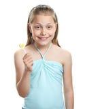 жизнерадостная девушка меньший lollipop стоковые фото