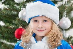 жизнерадостная девушка рождества меньший вал Стоковое Фото