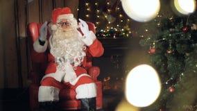Жизнерадостные приветствия Санта Клауса видеоматериал