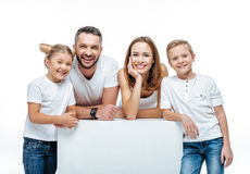 Жизнерадостная семья стоя совместно Стоковое фото RF