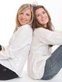 Жизнерадостные женские друзья Стоковые Изображения RF