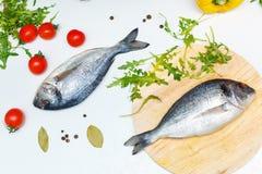 1 жизнь все еще Питание Овощи, специи и рыбы Стоковое Изображение RF