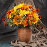 1 жизнь все еще Цветок букета осени Стоковое фото RF