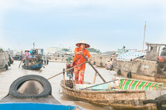 Жизнь и коммерция на Меконге на Can Tho стоковая фотография rf