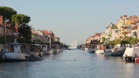 Жизнь на канале в Grado