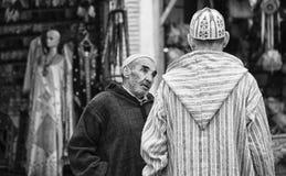 Жизнь улицы в голубом городе Chefchaouen, Марокко Стоковые Фотографии RF