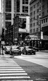 Жизнь Чикаго занятая черная белизна Стоковое Изображение