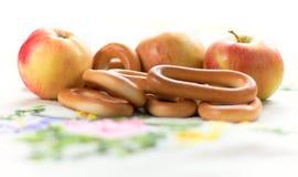 жизнь bagels яблок все еще Стоковые Изображения RF