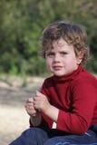 жилетка красного цвета мальчика Стоковое Изображение RF