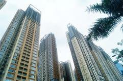 Жилое высокое здание как раз было завершено стоковое изображение