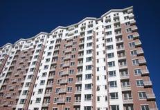 Жилой дом в городе Стоковые Фотографии RF
