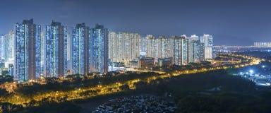 жилой район города Гонконга на ноче Стоковые Фотографии RF