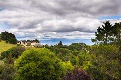 Жилой район, южная область San Francisco Bay, Калифорния стоковые изображения rf