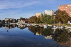 Жилые дома на береге озера в Гданьске Польша Стоковые Фото