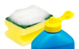 Жидкость и губка Dishwashing Стоковая Фотография