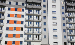 Жилой район состоя из больших блоков квартир Стоковое Фото