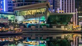 Жилые дома в timelapse башен озера Jumeirah в Дубай, ОАЭ сток-видео
