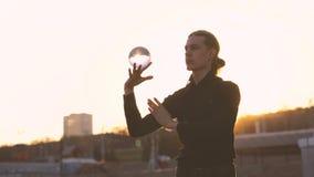 Жонглировать контакта сток-видео
