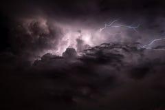 Жуткая молния стоковые изображения