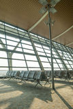 ждать района авиапорта пустой терминальный Стоковые Изображения RF
