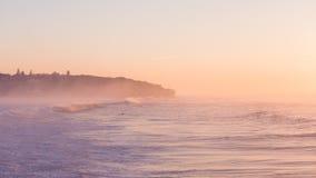 Ждать серферов Стоковое Изображение