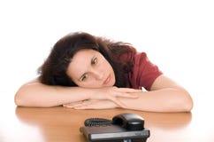 Ждать телефонный звонок Стоковое Фото