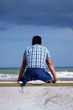 Ждать человек Стоковые Фото