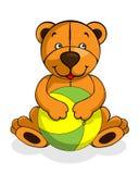 Забавляйтесь младенец усмехаясь, счастливая игра плюшевого медвежонка с шариком Стоковое Фото