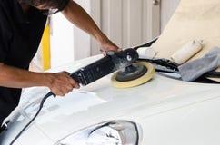 Забота автомобиля с полировать Стоковые Изображения RF
