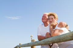 заботливое пар старшее Стоковые Изображения RF