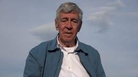 Забывчивый старик с Alzheimers Стоковое Изображение RF