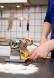 завальцовка макаронных изделия детали Стоковое Фото
