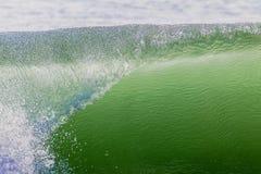 Завальцовка полости губы волны   Стоковое фото RF