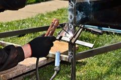 Заварка дуги при ручной сварке Стоковое Фото