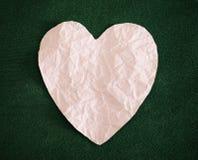 Заверните сердце в бумагу Стоковое Фото