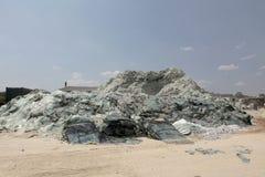 Завод по переработке вторичного сырья стекла автомобиля Стоковые Фото